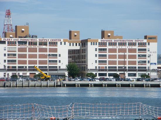 Naval Station Norfolk: Centre de distribution de l'US NAVY