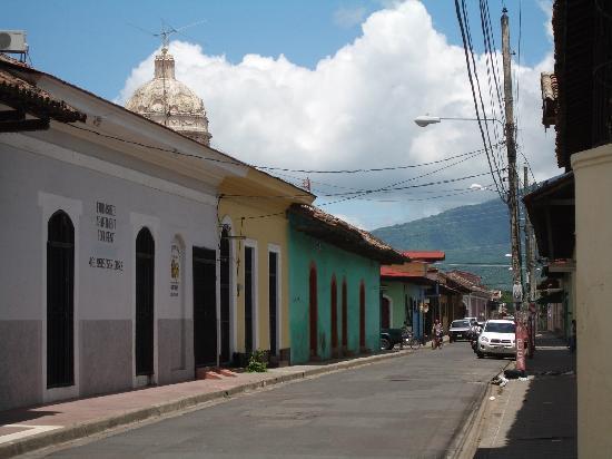 Hotel con Corazon: Granada Street
