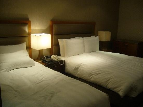 Lotte City Hotel Mapo: ダブルベッドとシングルベッドでした