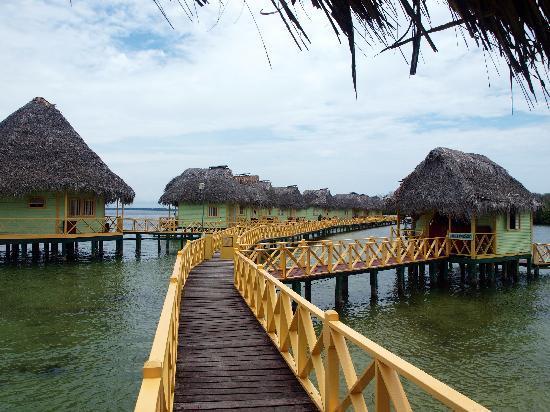 Punta Caracol Acqua Lodge: view of the villa's