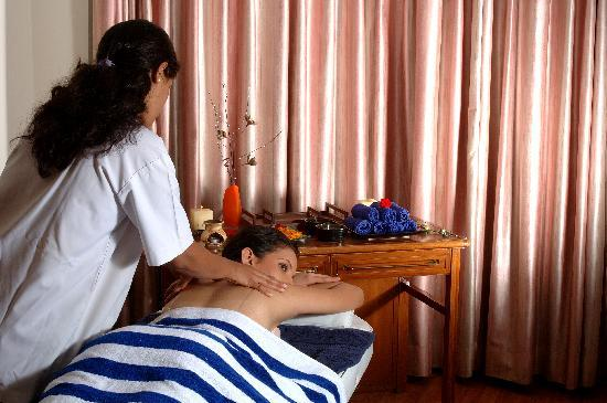 Ramee Guestline Hotel, Juhu: Spa