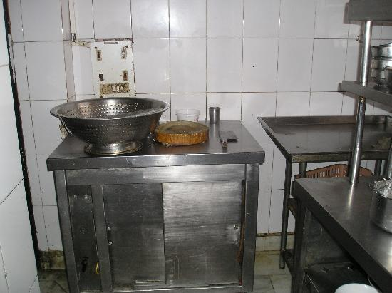 Flaming Wok: kitchen