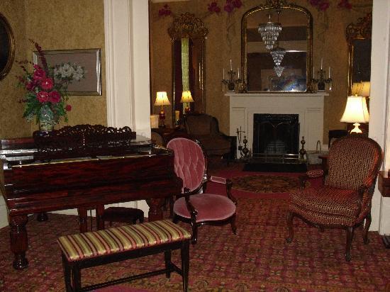 Beaumont Inn: Inside parlor