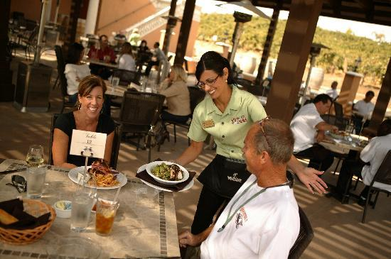 The Creekside Grille: Friendly staff