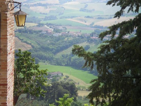 Relais Palazzo Viviani: vista dal borgo