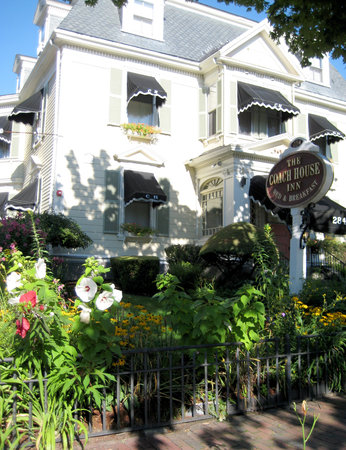 Coach House Inn: Historic Victorian mansion