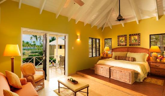 Nisbet Plantation Beach Club: The 36 air-conditioned cottage accommodations are spread across 30 acres of lawns, palm trees, a