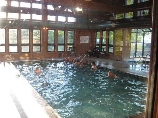 Eddy's Resort: Indoor Pool at Eddys