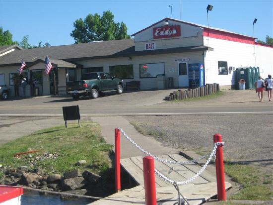 Eddy's Resort: Eddys Launch Office and Restaurant (left part of bldg)