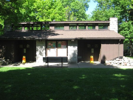 Isle, MN: Campground Bath house - FHSP