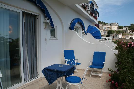 Hotel 'A Pazziella: Terraza