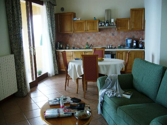 Residence Borgo degli Ulivi: Wohnküche