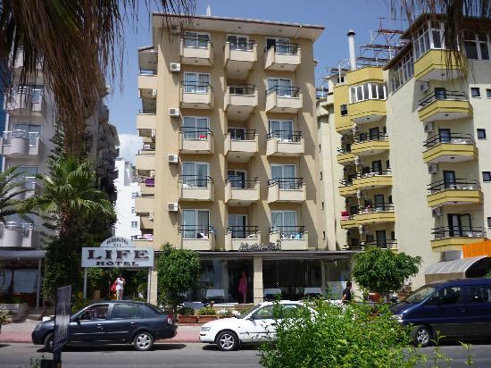 Kleopatra Life: hotel front
