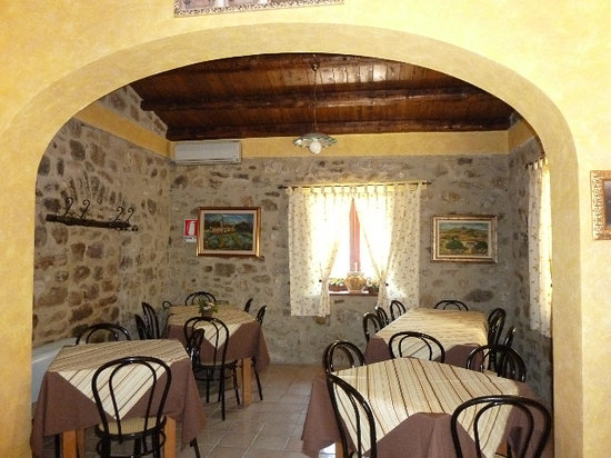 La Vecchia Quercia Dining Room