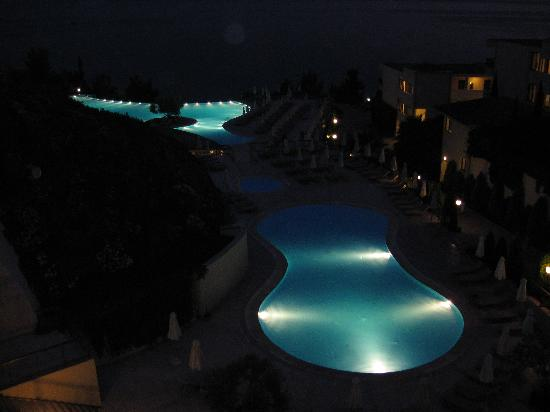 Ikos Oceania: pool at night