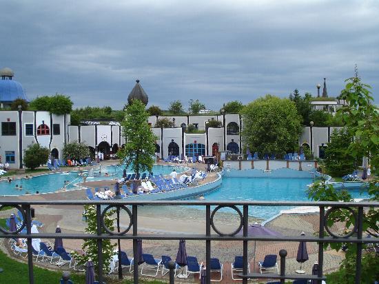 Bad Blumau, النمسا: Hotel Rogner: piscine termali esterne