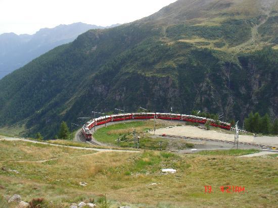 Bernina Express : trenino del Bernina