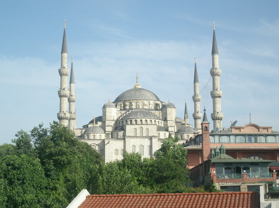 Antis Hotel: Blue Mosque in the morning from the roof terrace