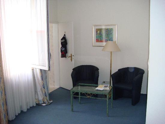 Hotel Zum Ritter : Ugly furniture.