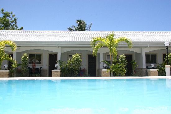 Panglao Regents Park Resort: The gorgeous pool