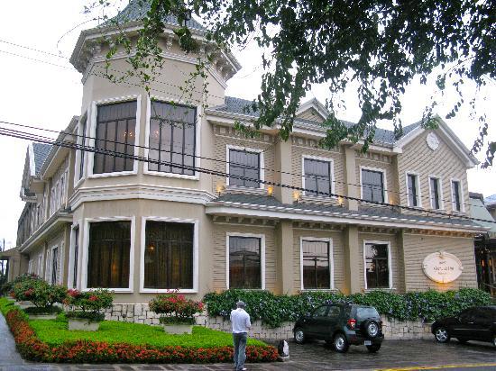 Hotel Grano de Oro San Jose: The outside of the hotel