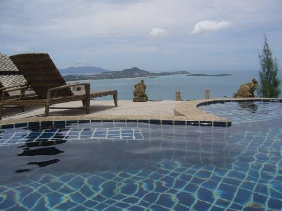 Baan Leam Sila Resort : View from the pool.
