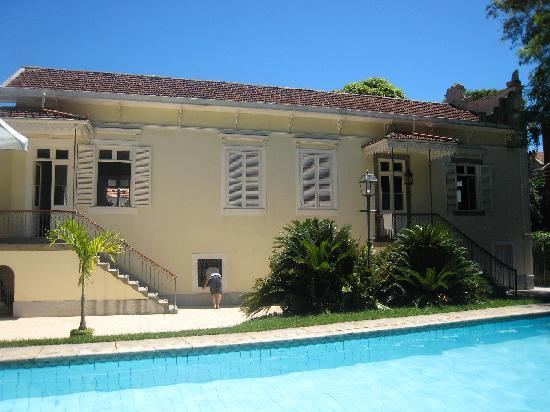 Villa Laurinda: The pool and the villa