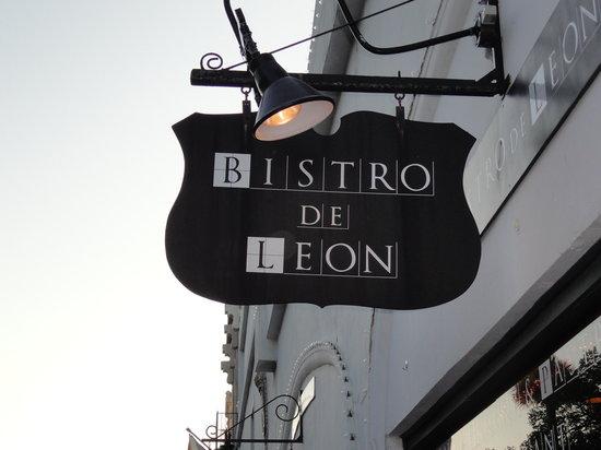 Bistro de Leon: from the outside