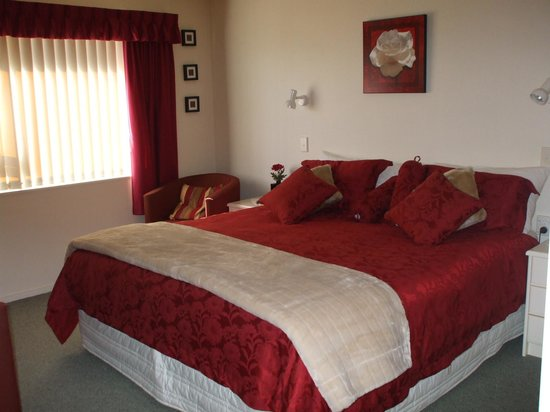 ‪‪Riverview B & B Taupo‬: Superking bed with private bathroom‬
