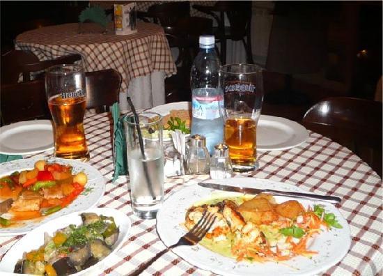 Bogart's Grand Cafe: The food