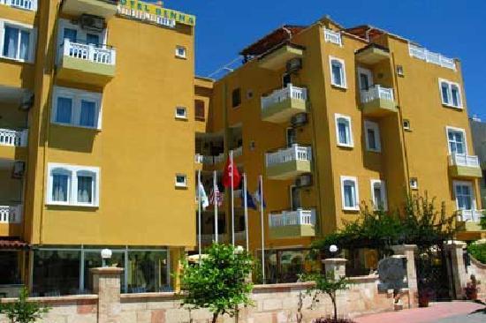 Hotel Benna: facade de l'hotel