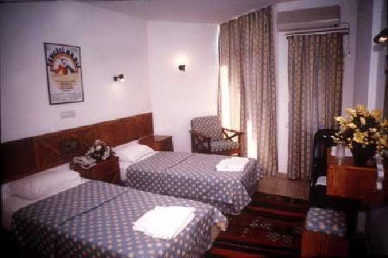 Hotel Benna: une chambre ou nous avons passer la nuit