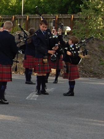 Scotland's Hotel & Spa: Vale of Atholl Parade Pipe Band