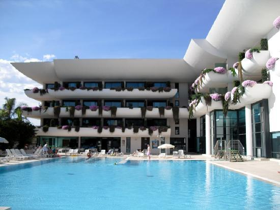 Hotel Deloix Aqua Center: the pool
