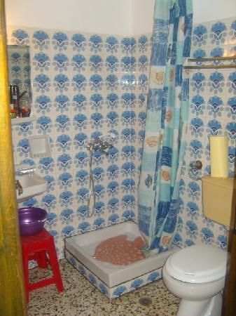Hotel Zygos: Bathroom