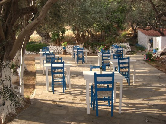 Ormos Koumeikon, Grecja: Garden Restaurant
