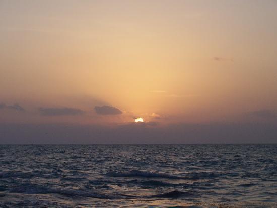 Playa del Carmen, Mexiko: Sunrise...my favorite time