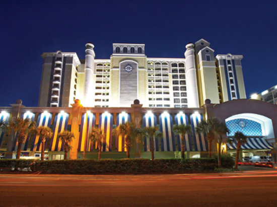 Compass Cove Oceanfront Resort: The Pinnacle Building