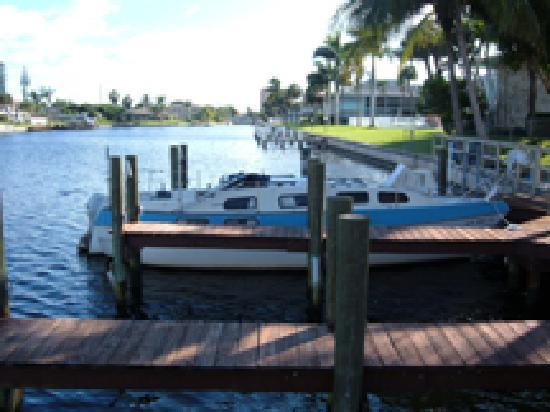 Hideaway Waterfront Resort & Hotel: Boat Docks, Guest Access