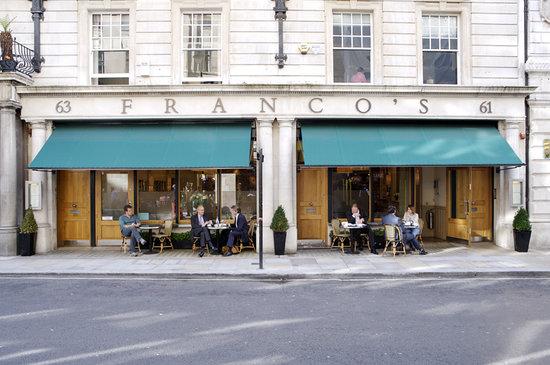 Franco's: Outside tables