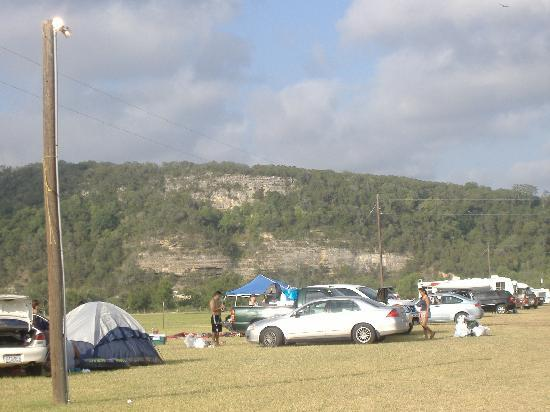 Lazy L and L Campground and Store: The feild where overflow campers stay