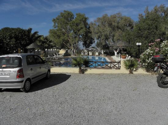 Hotel Artemis Perissa: pool area