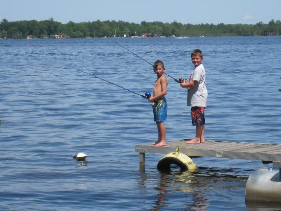 Cadillac Sands Resort: Fishing off the doc