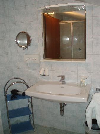 Apart-Hotel-Garni Bäckerei Strasser: Bathroom