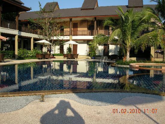 Mae Jo Golf Resort & Spa: Innenhof Hotel