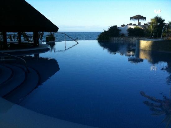 El Oceano Beach Hotel : Infinity and Beyond