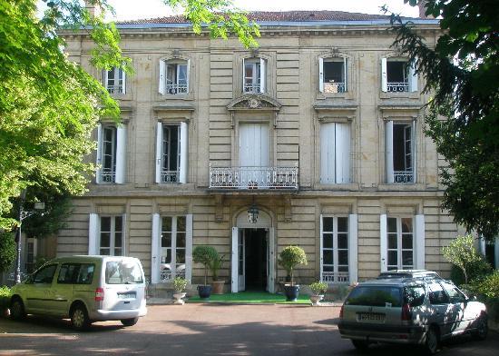Hotel Chateau des Jacobins: Exterior