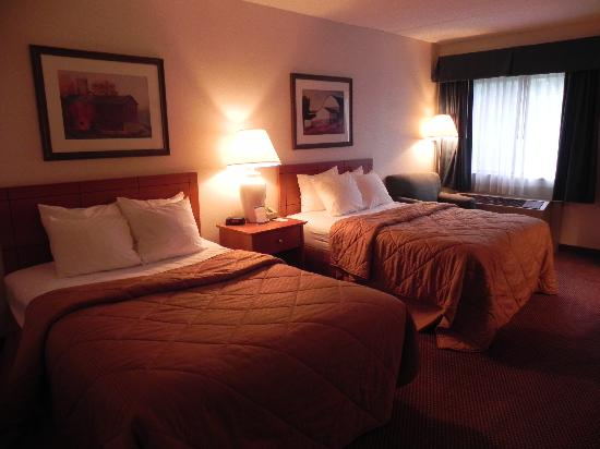Comfort Inn: Our room