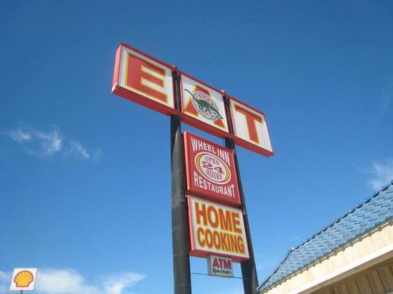 Wheel Inn Restaurant: Da Sign