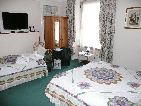 Melness B&B Guest House : Another view of bedroom